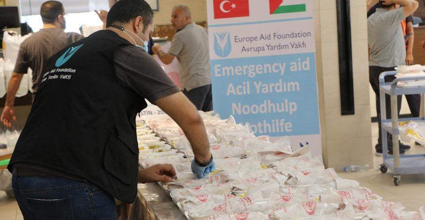 Gazze sıcak yemek dağıtımı