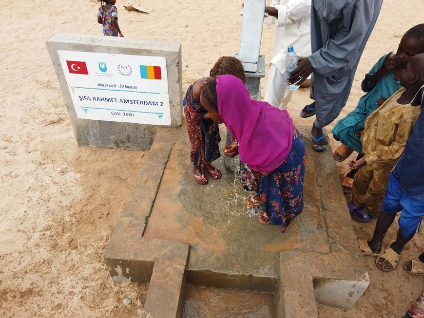 Afrika'da su kuyusu açtırmak