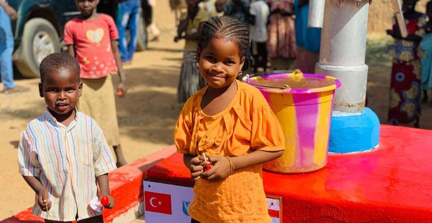 Afrika'da su kuyusu açtırmak - Afrika su kuyusu yardımı