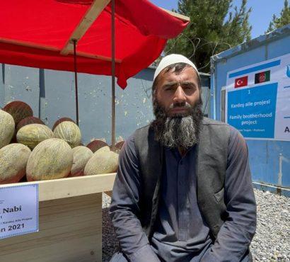 Afganistanlı Kardeş Ailelere Seyyar Tezgâh Yardımı