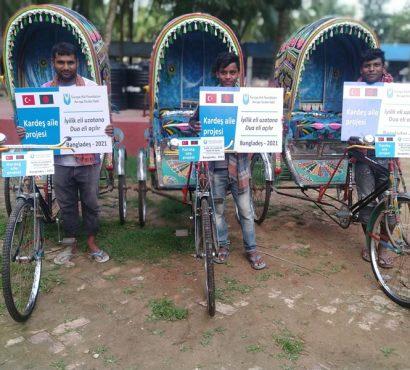 Bangladeşli Kardeş Ailelere Riksha (Rikşa/Bisiklet Taksi) Yardımı